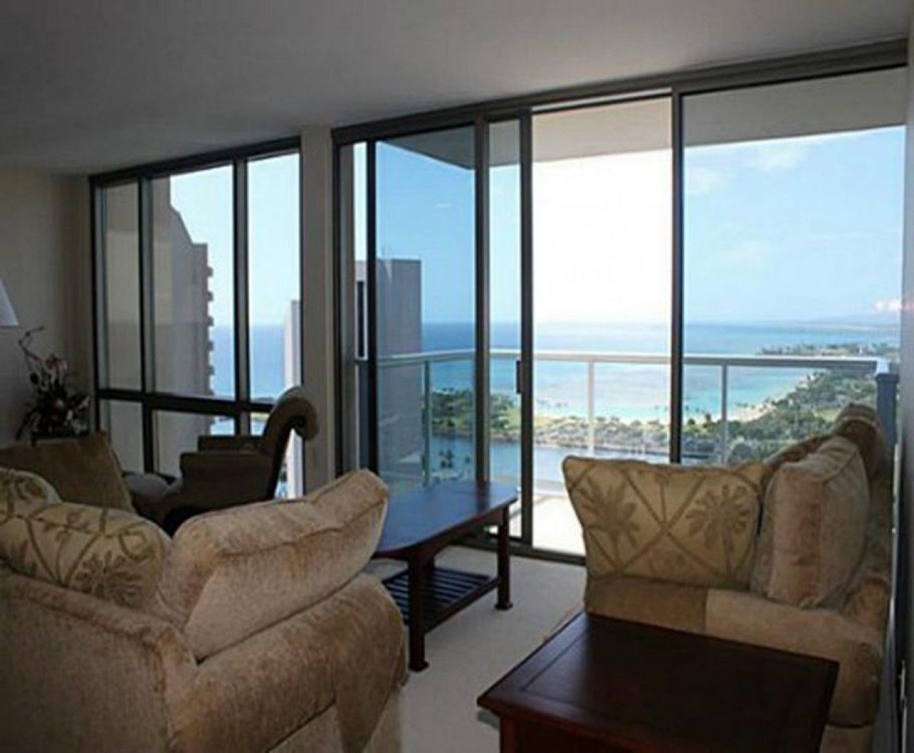 Sunlight responsive sliding glass doors eglass by innovative glass