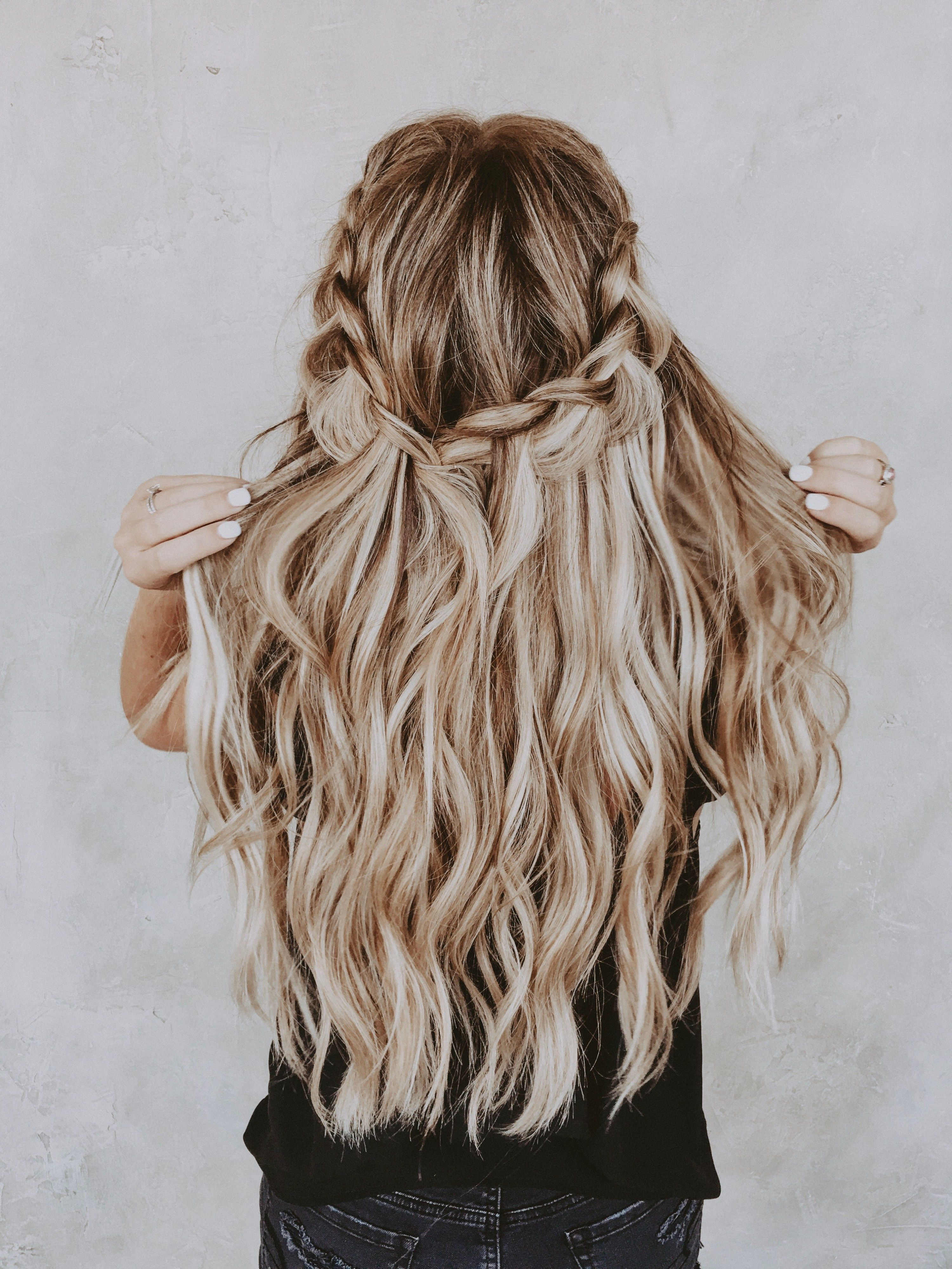 Everything To Know About Habit Hand Tied Hair Extensions Ashlee Nichols Long Hair Styles Hair Styles Cool Hairstyles