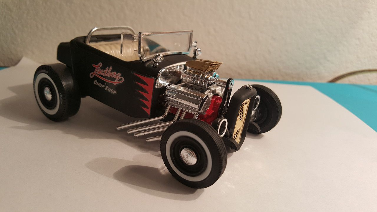 Gallery Pictures 1932 Ford Roadster Rat Rod Plastic Model Car