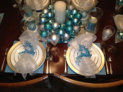 Blue Silver Dining Table Decor Look At Our Dining Table Christmas Decor Silver Aq Turquoise Christmas Silver Christmas Decorations Christmas Centerpieces