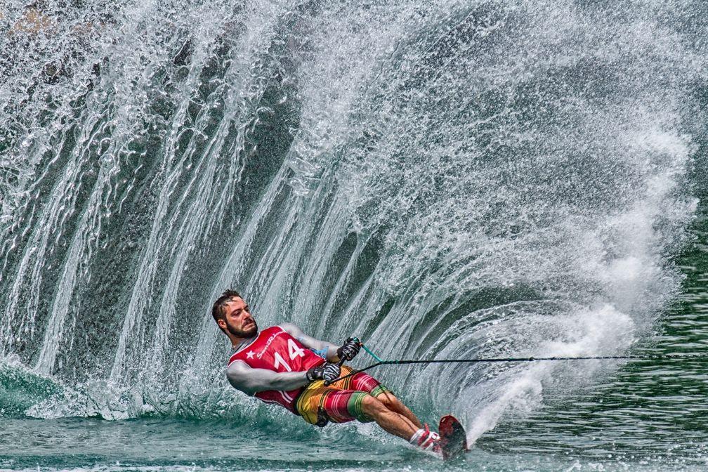 Noch ein spektakuläres Bild eines Wasserskifahrers von Henrik Spranz. Das Bild in voller Auflösung unter: https://contest.cewe-fotobuch.de/sport-2016/photo/matteo
