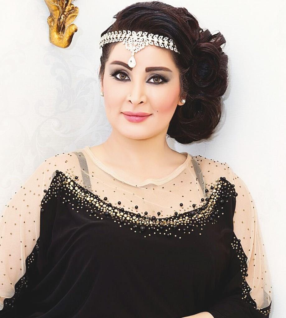 بالفيديو مروة محمد تخرج عن صمتها وتعاتب ناصر القصبي وترفض وصف مي العيدان بالإعلامية Lace Top Fashion Women