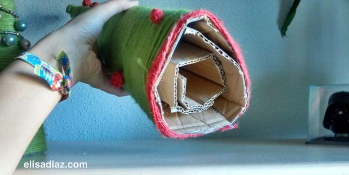 ▷ 1001 + idées créatives comment fabriquer un arbre de noel en carton - Fabriquer Une Chambre Noire En Carton