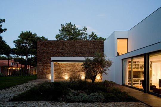 Casa moderna esterno notturno case contemporanee case for Casa moderna esterno