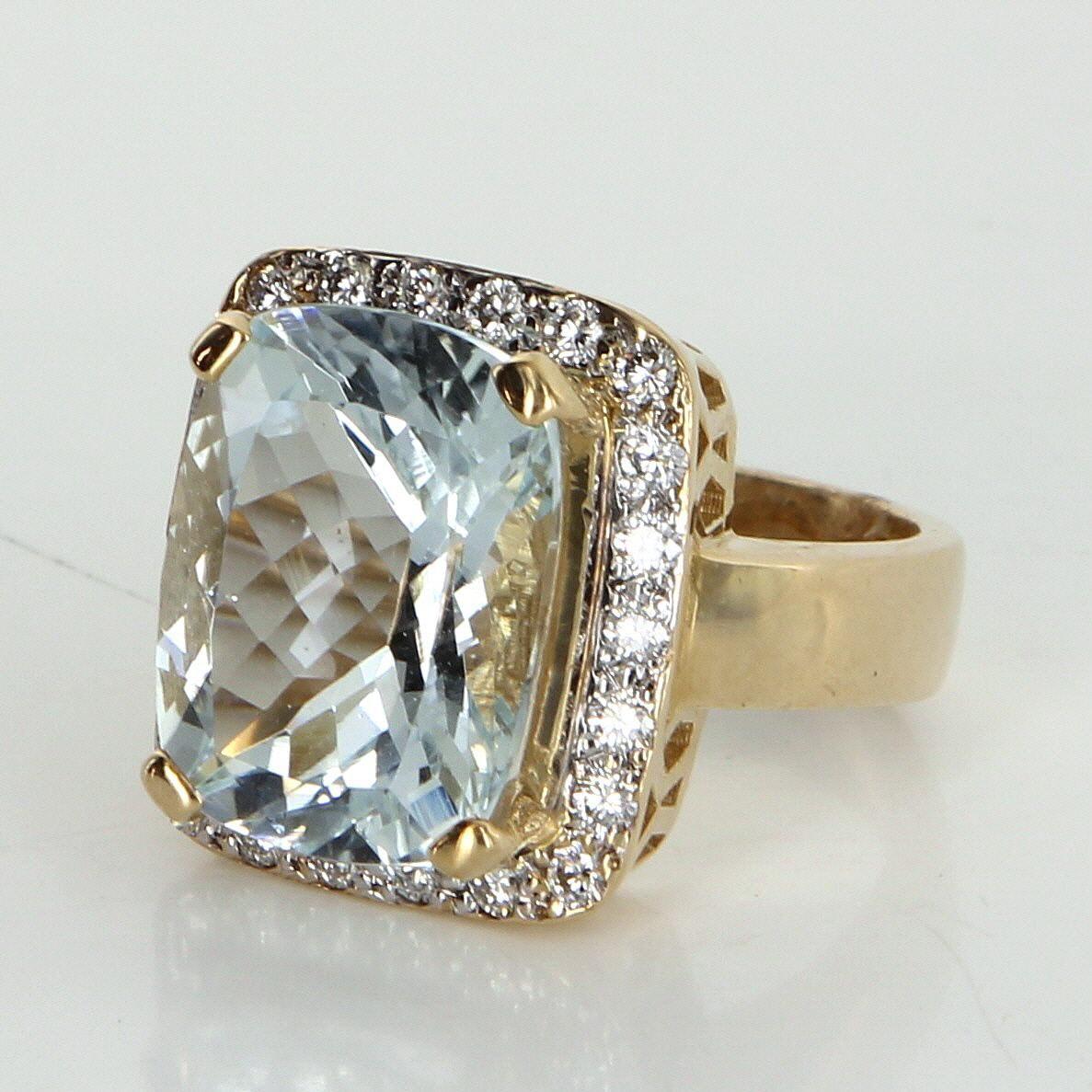 Aquamarine Diamond Cocktail Ring Vintage 14 Karat Gold Estate Fine