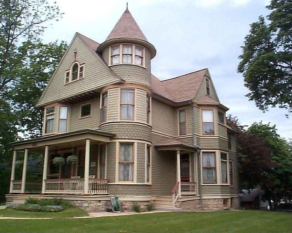 Peachy 1892 Queen Anne Located At 628 W Highland Ave Elgin Il Interior Design Ideas Clesiryabchikinfo