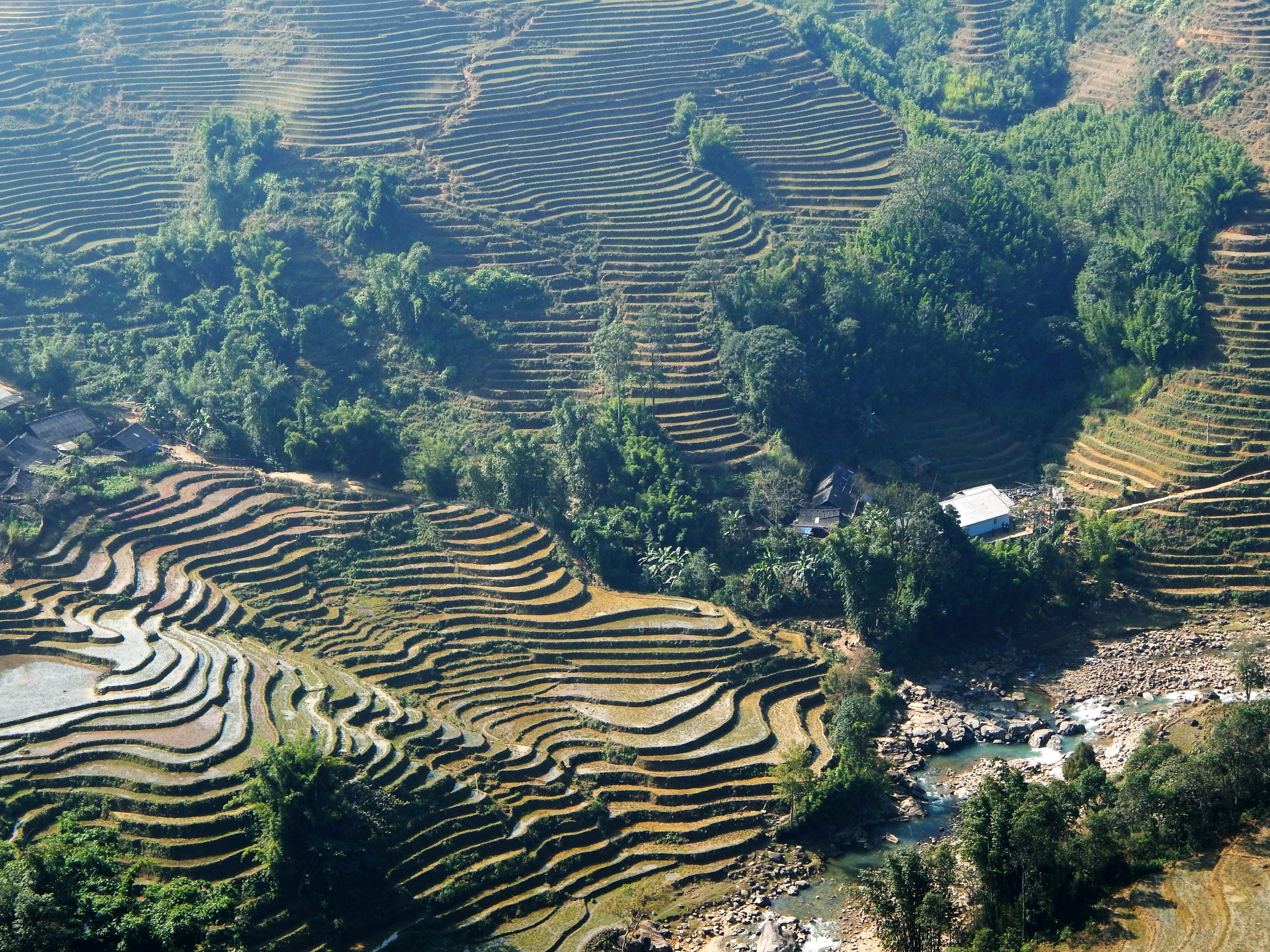 Traveling in northern Vietnam. Muong Hoa valley - Hoang Lien. www.north-vietnam.com... #vietnam #trekking #travel #wander #valley #mountains #hmong
