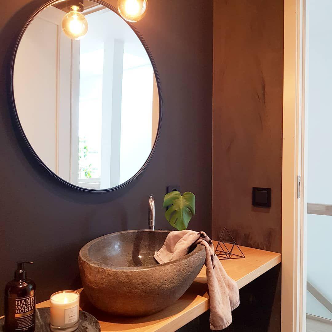 Photo of Detaljer fra gjestetoalettet… Den der vasken er en av mine favoritter i huset …