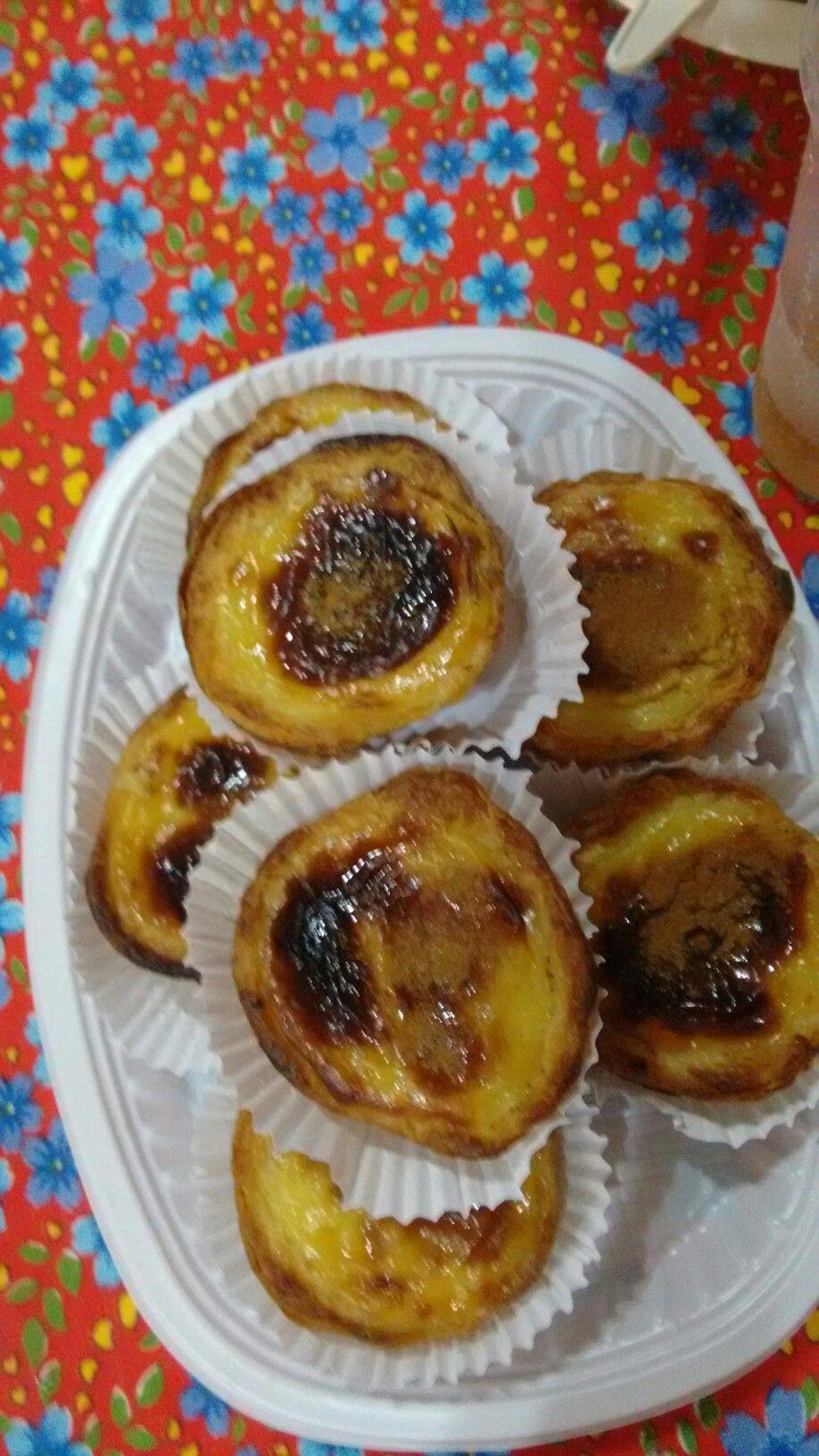 Pastéis de Belém são garantia de paladar satisfeito na Festa do Divino de Paraty - RJ (foto: Deni Simões)