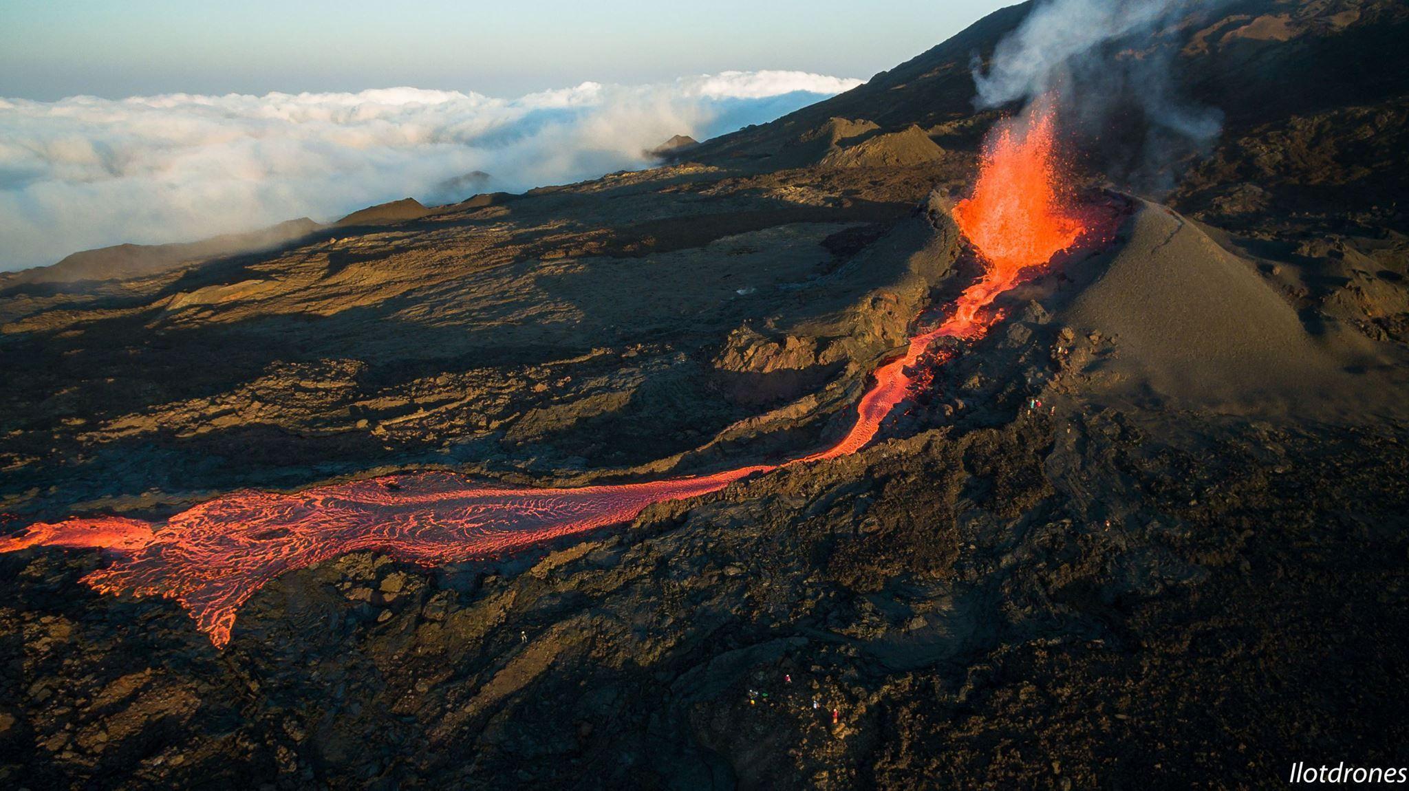 Piton De La Fournaise Eruption Reunion Island Trekking Tour Reunion