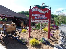 Silverman S Farms In Easton Ct Has The Best Pies Farm Good Pie Family Adventure