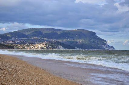 ...dalla spiaggia di Marcelli di Numana