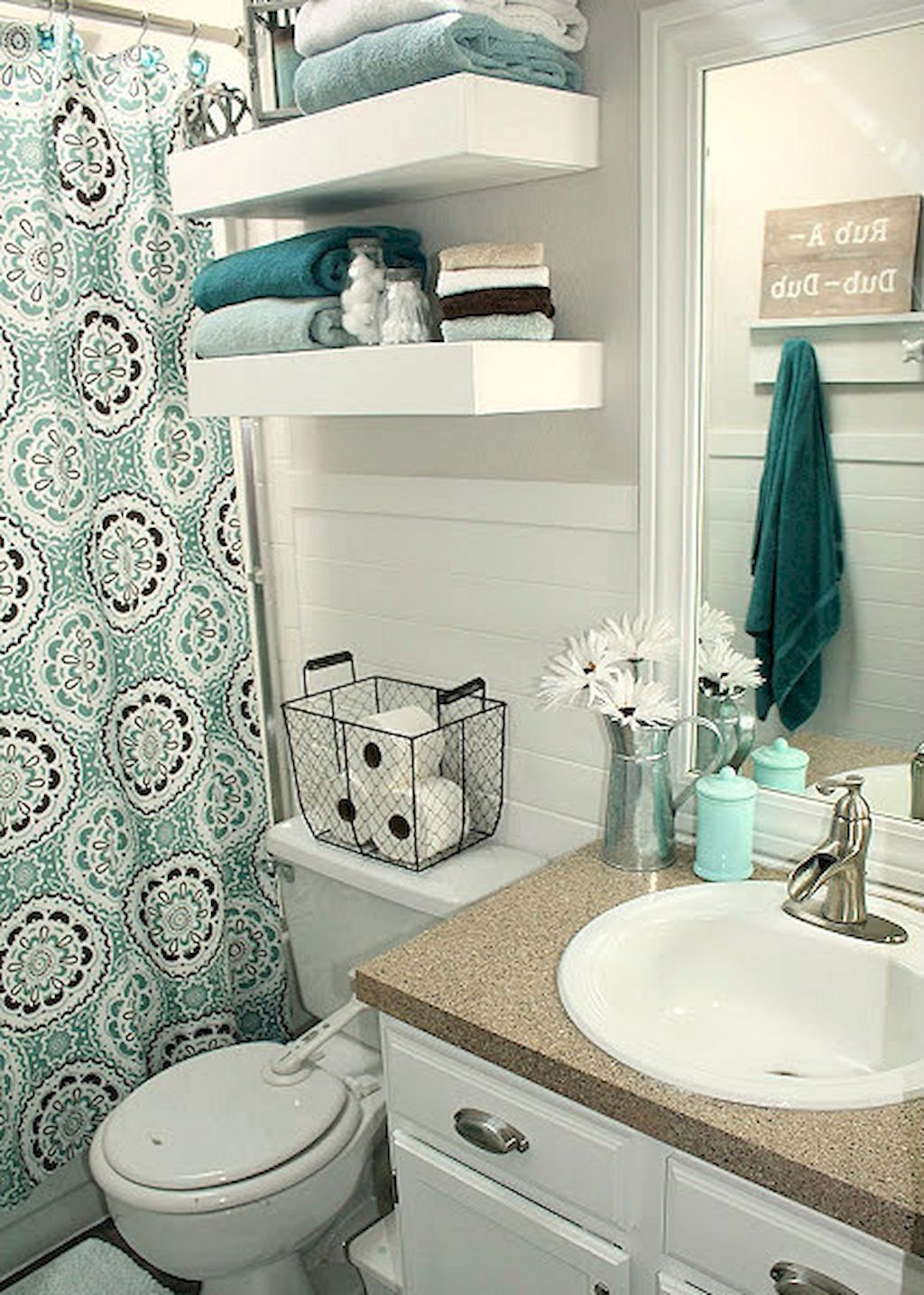 Adorable 30 diy small apartment decorating ideas on a for College bathroom ideas