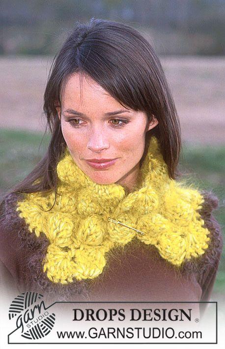 Crocheted collar with bobbles in Eskimo, Vienna and Glitter. ~ DROPS Design