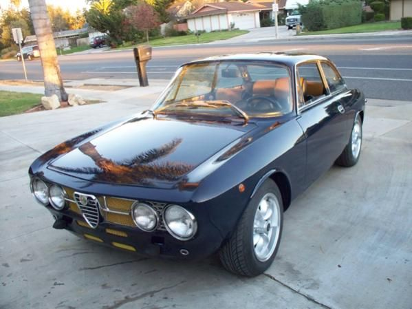 Alfa Romeo Gtv 2000 Bertone For Sale Pin By Jacob Coburn On Awesome Things With Engines Retro Cars Alfa Romeo Classic Sports Cars