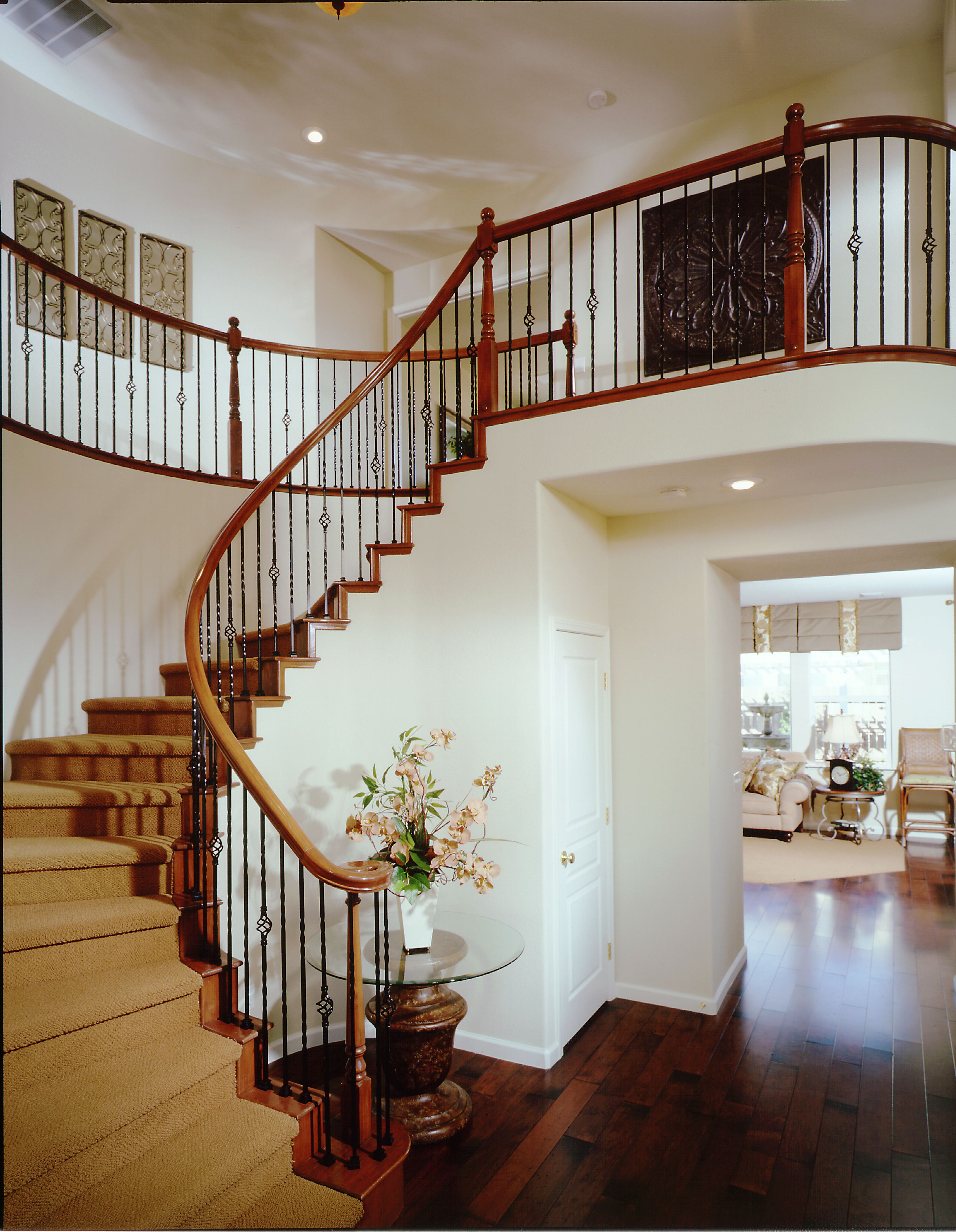 Genial Arched Staircase With Upgraded Wrought Iron Spindles And Stained Handrail  In Silver Oaks (Stockton, CA)