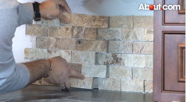 here is a look at the best types of kitchen backsplash materials
