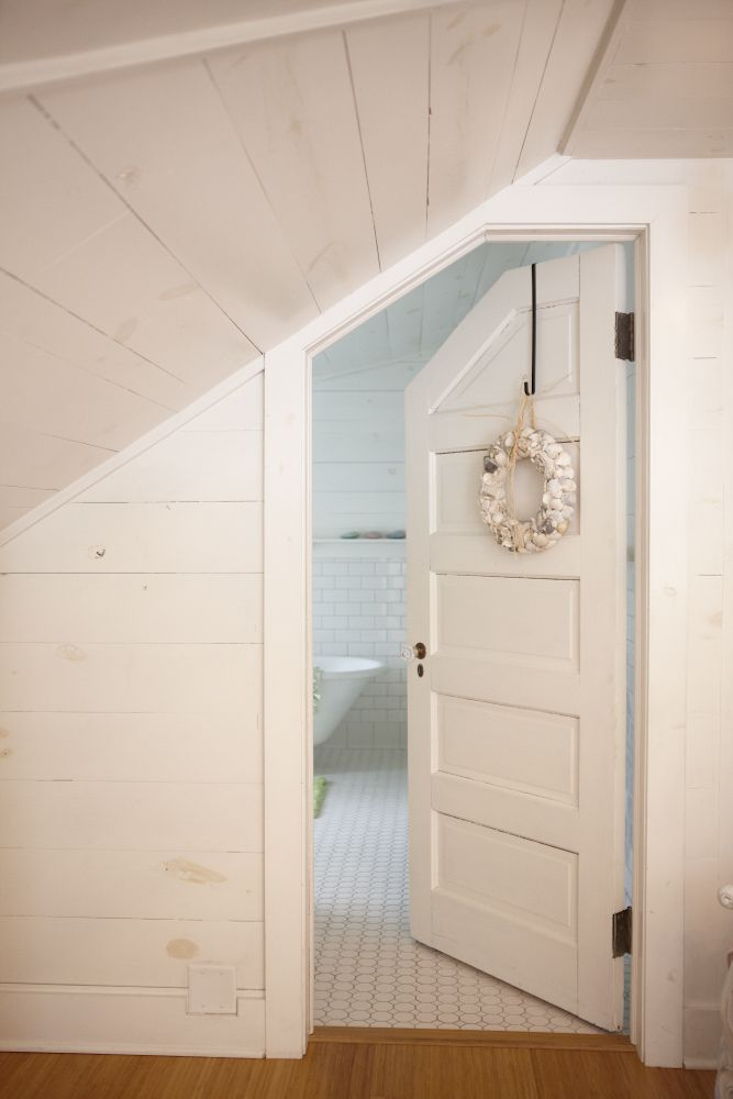 Ingridrorem 020713 Travelogue 081 Jpg Angled Bedroom Bedroom