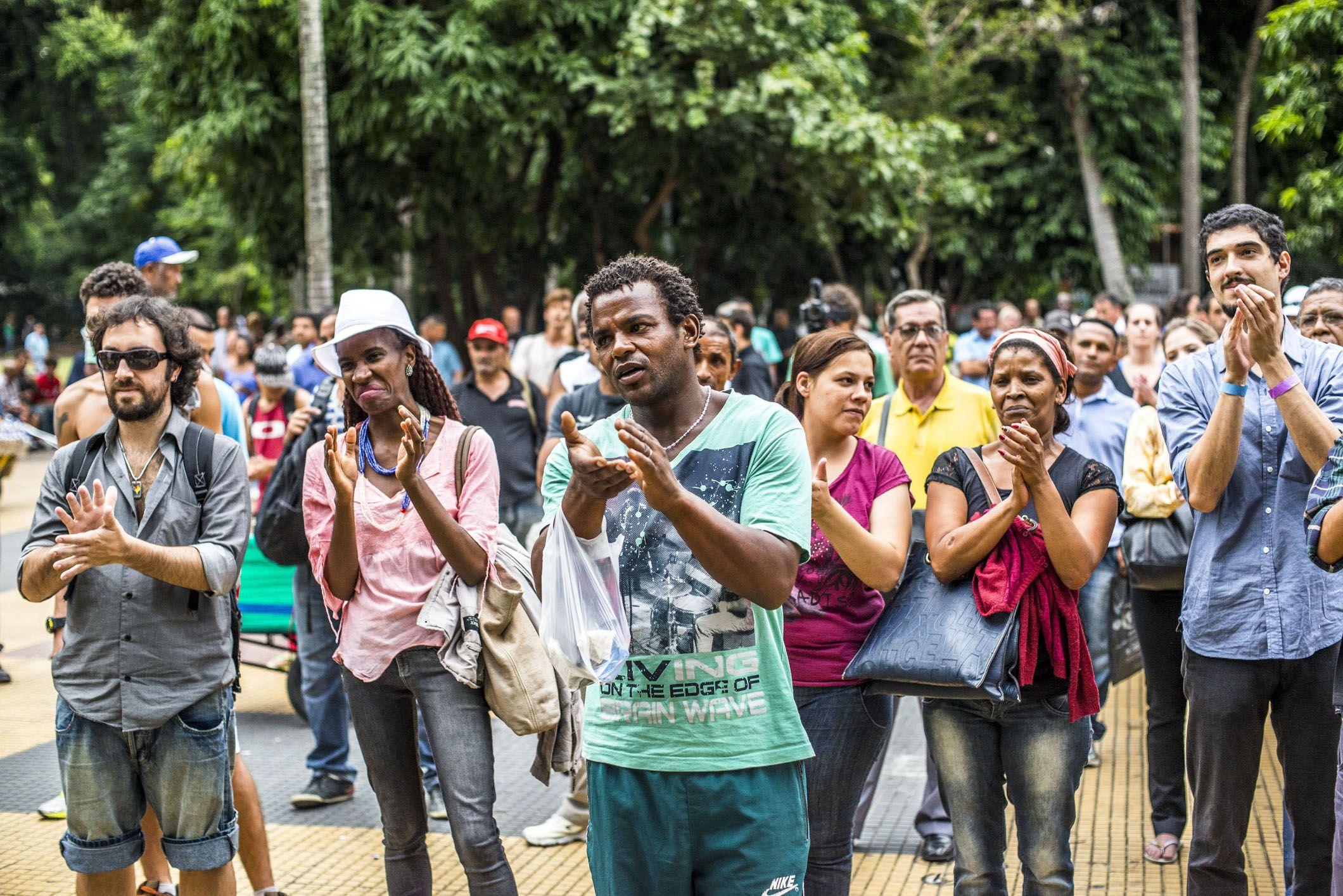 Estação Catraca Livre oferece shows abertos para quem quer fugir do trânsito.