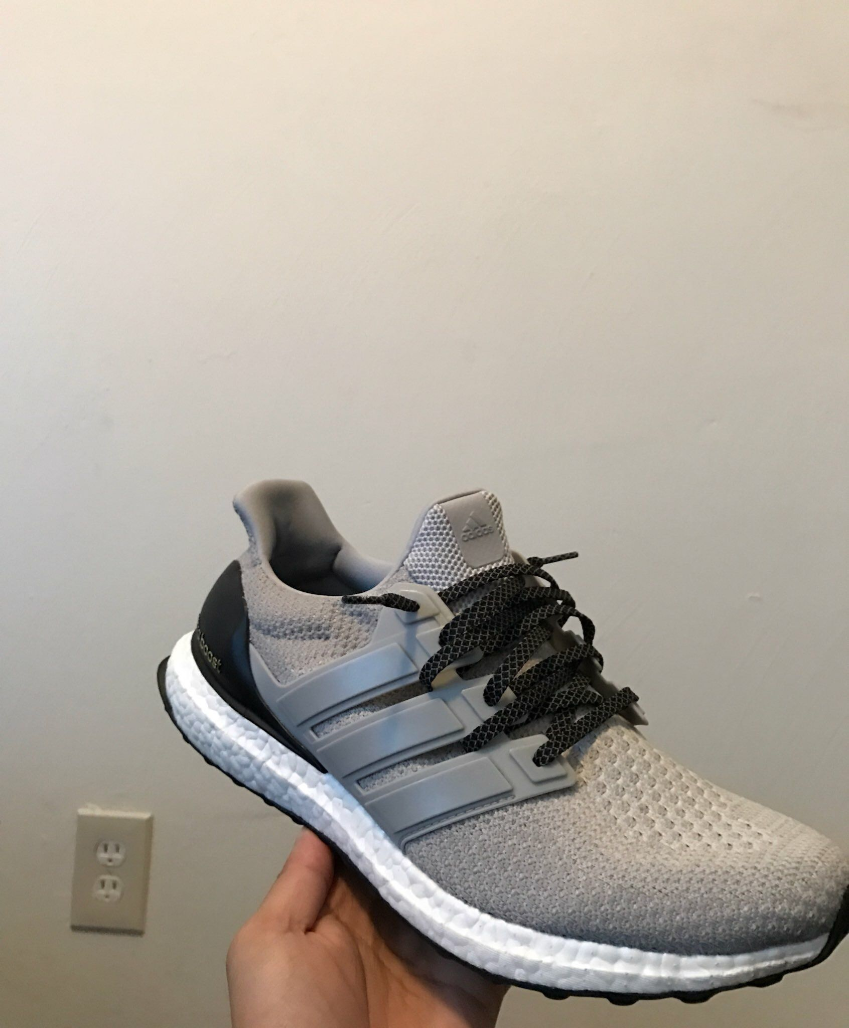 Lace swap on the Clear Onix ultra boost