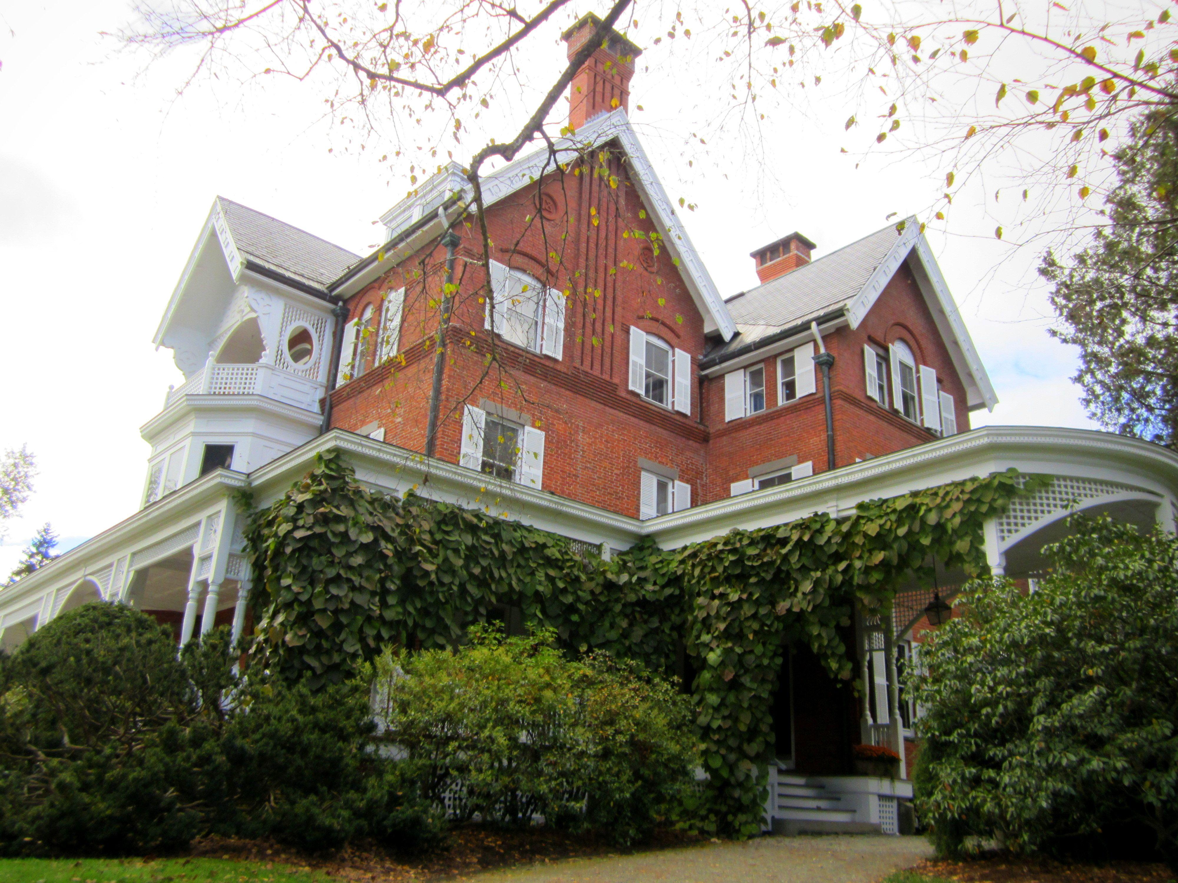 Rockefeller mansion in woodstock vt vermont pinterest for Vermont country homes