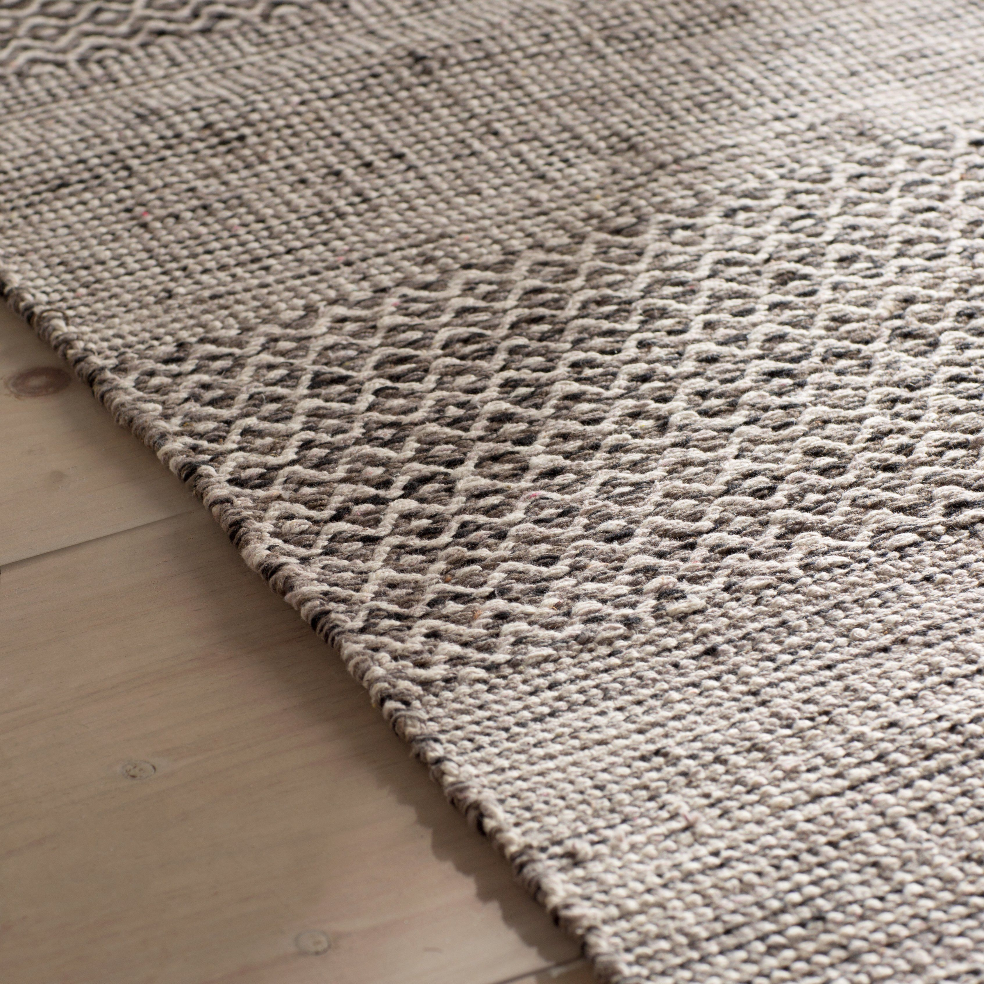Laurel Foundry Modern Farmhouse Oxbow Hand Woven Ivory Anthracite