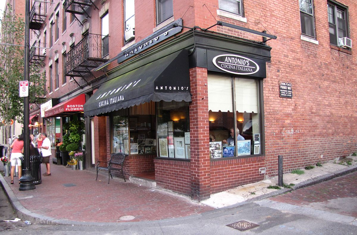 Downtown Boston Antonio S Cucina Italiana Beacon Hill For An Old Fashioned Italian Restaurant With