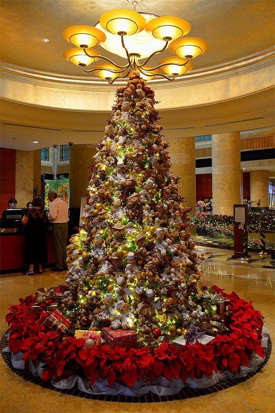 Teddy Bear Christmas Tree At The Fullerton Hotel Singapore Christmas Tree Holiday Event Decor Christmas Tree Decorations