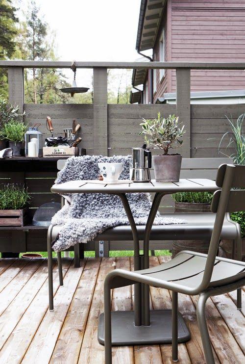 Terrasse avec mobilier de #jardin #Luxembourg #Fermob www.fermob.com ...