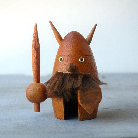 Vikingnøtteknekker...!
