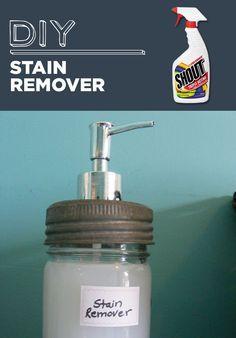 Removedor de manchas caseiro - Em um frasco de spray, adicione 1 parte de água oxigenada, 1 parte de bicarbonato de sódio e duas partes de água.