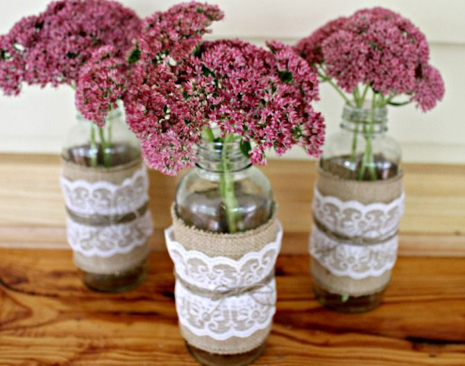 I've recently become obsessed with burlap and lace. Why have I never decorated with this before??? I LOVE it!…