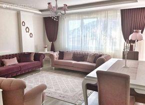 Sade stil, yumuşak renkler ile iç açıcı bir ev..