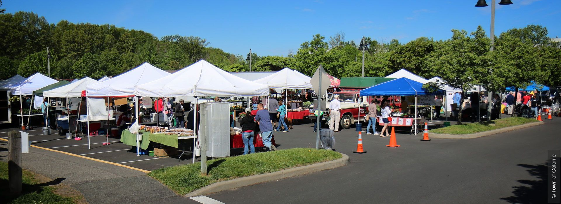 Saturday Is A Market Day Colonie Farmers Market At The Crossings In Loudonville New York 9am 1pm Http Www Farmer Farmer Farmers Market Online Marketing