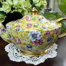 Vintage Keepsakes & The Vintage Teacup / Teapots PLUS ~ Love it