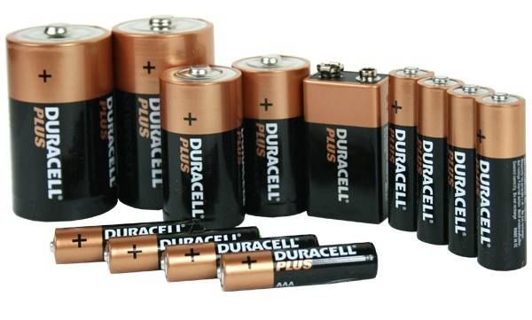 How To Store Batteries The Right Way Https Www Usstoragecenters Com Blog How To Store Batteries Electronics Basics Electronics Projects Diy Duracell
