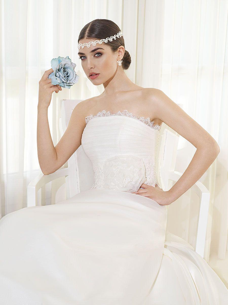 Delsa Fashion 2014 > F2019 | Delsa Abiti da Sposa | Creazioni dal 1969