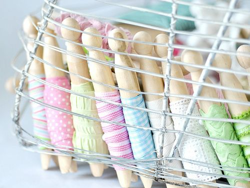 pretty ribbons stored on clothespegs ~ great idea