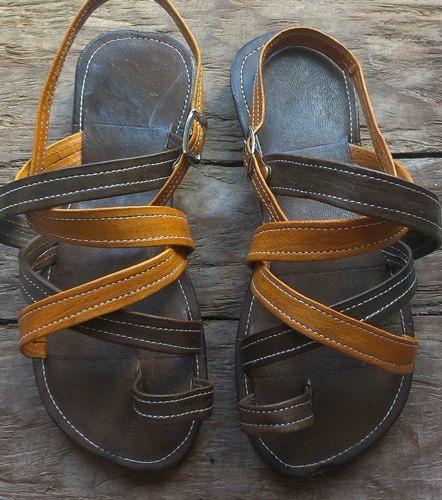 Sandalias planas de piel procedentes del mercado artesanal de Bamako  Talla 36/37 (longitud pie 23,7cm)