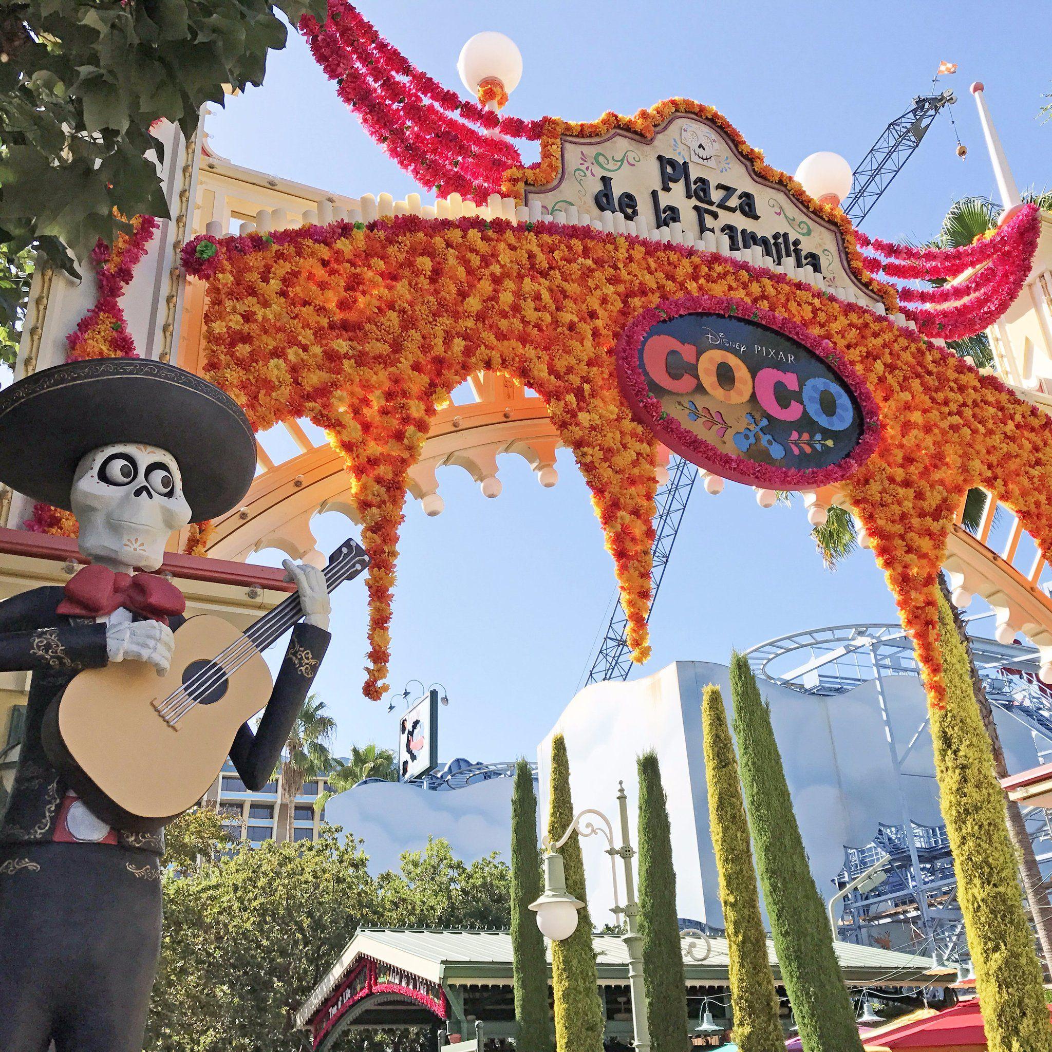 Coco Decorations Dia De Los Muretos With Images Fiesta Theme