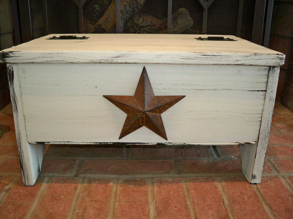 Hinged Storage Bench Part - 50: White Weathered Hinged Storage Bench Or Blanket Chest With Rusty Tin Star