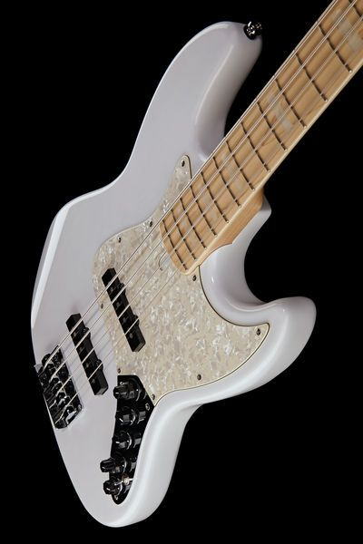 Marcus Miller V7 Swamp Ash-4 WB #bassguitar #white #thomann