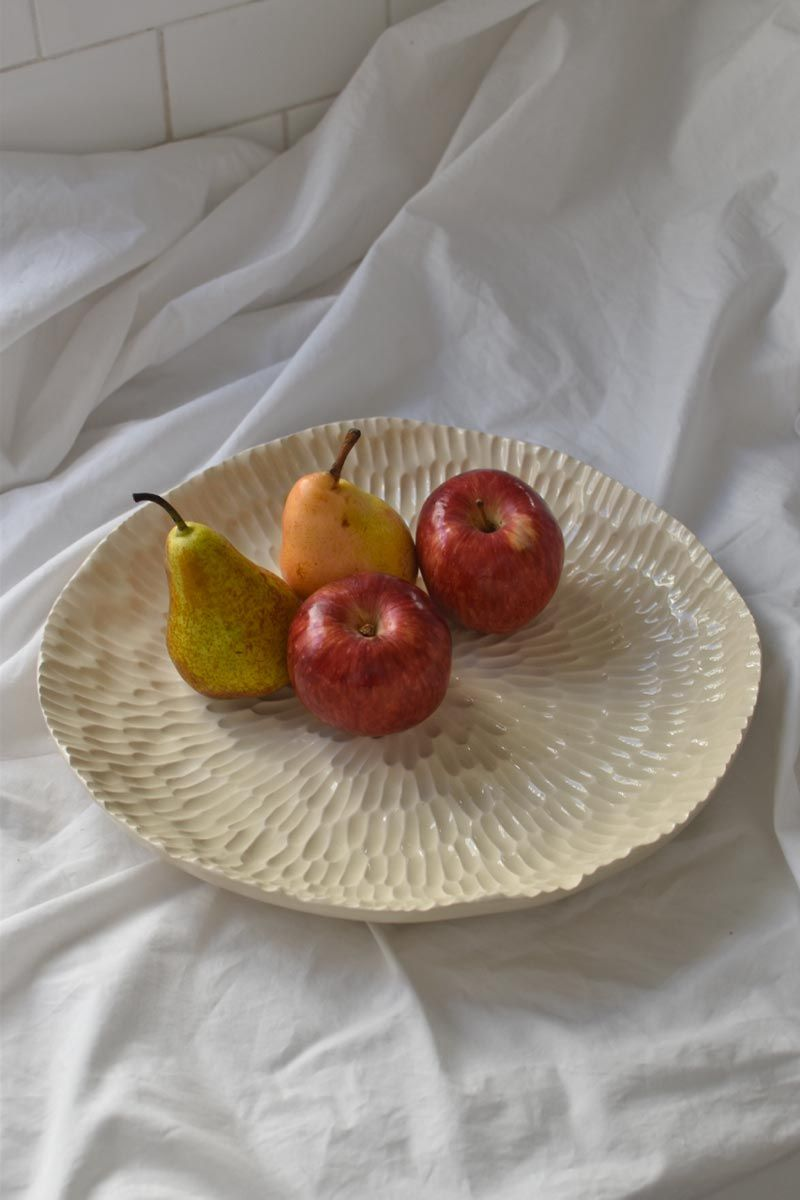 Habana large platter — available on www.owoceramica.com — worldwide shipping ——————————————————————————————— #owoceramica #ceramics #ceramica #pottery #contemporaryceramics #handbuiltceramics #handcraftedpottery #ceramicsstudio #ceramicsshop #functionalceramics #ceramiccheeseboard #handmadepottery #handcraftedceramics #ceramictapasboard #ceramiccharcuterieboard #ceramicservingplatter #handmadeservingplatter #handmadeceramicserveware