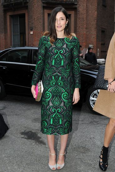 emerald swirl print sleeved pencil dress #modest street style