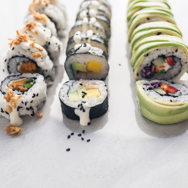 Homemade Vegan Sushi Fivesec Health Healthy Vegan Lifestyle In 2020 Vegan Sushi Homemade Sushi Veggie Sushi