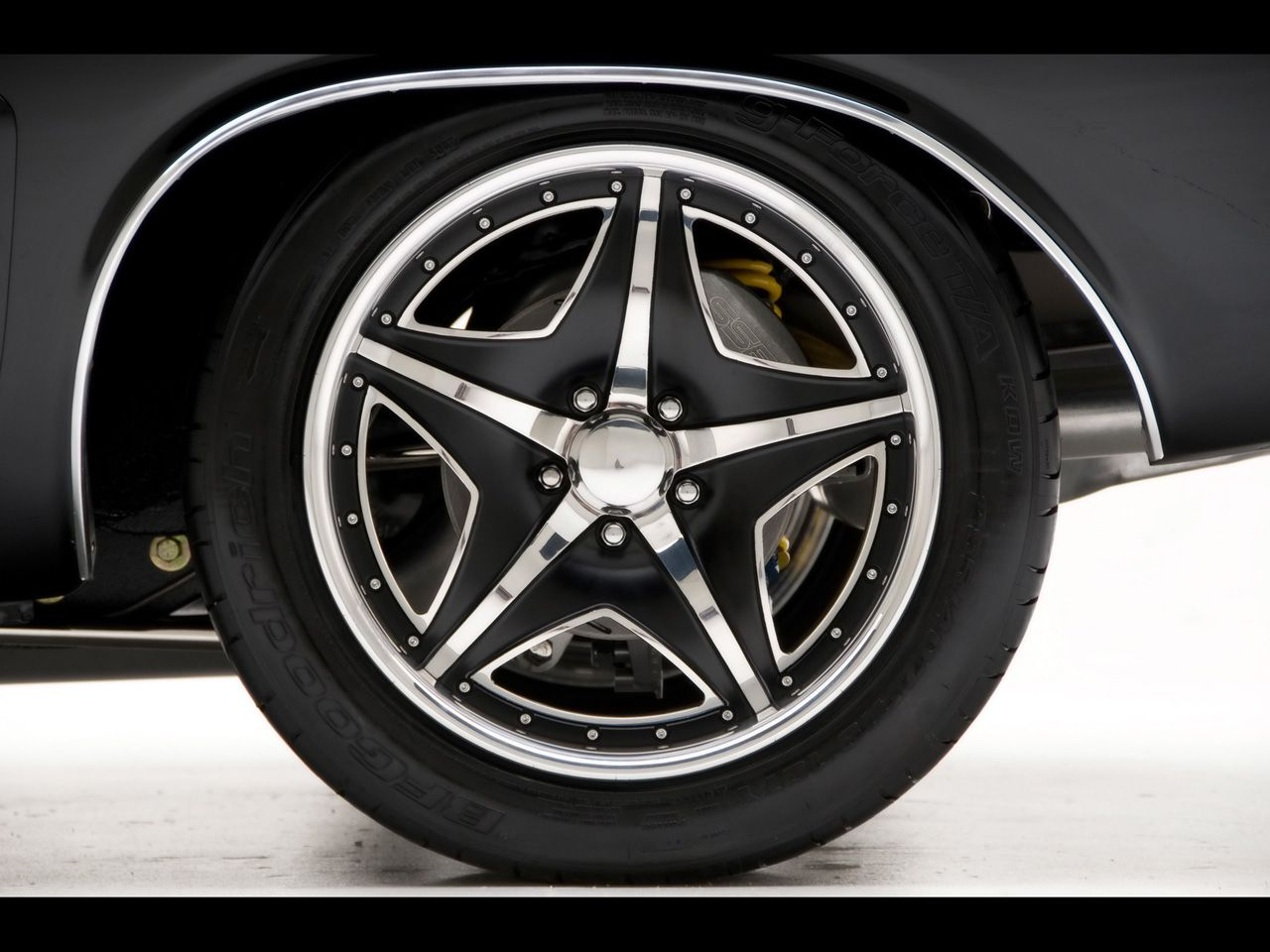 1971 Dodge Challenger R T Muscle Car By Modern Muscle Rear Wheel Rim Idea Car Wheels Car Wheels Rims Wheel Rims