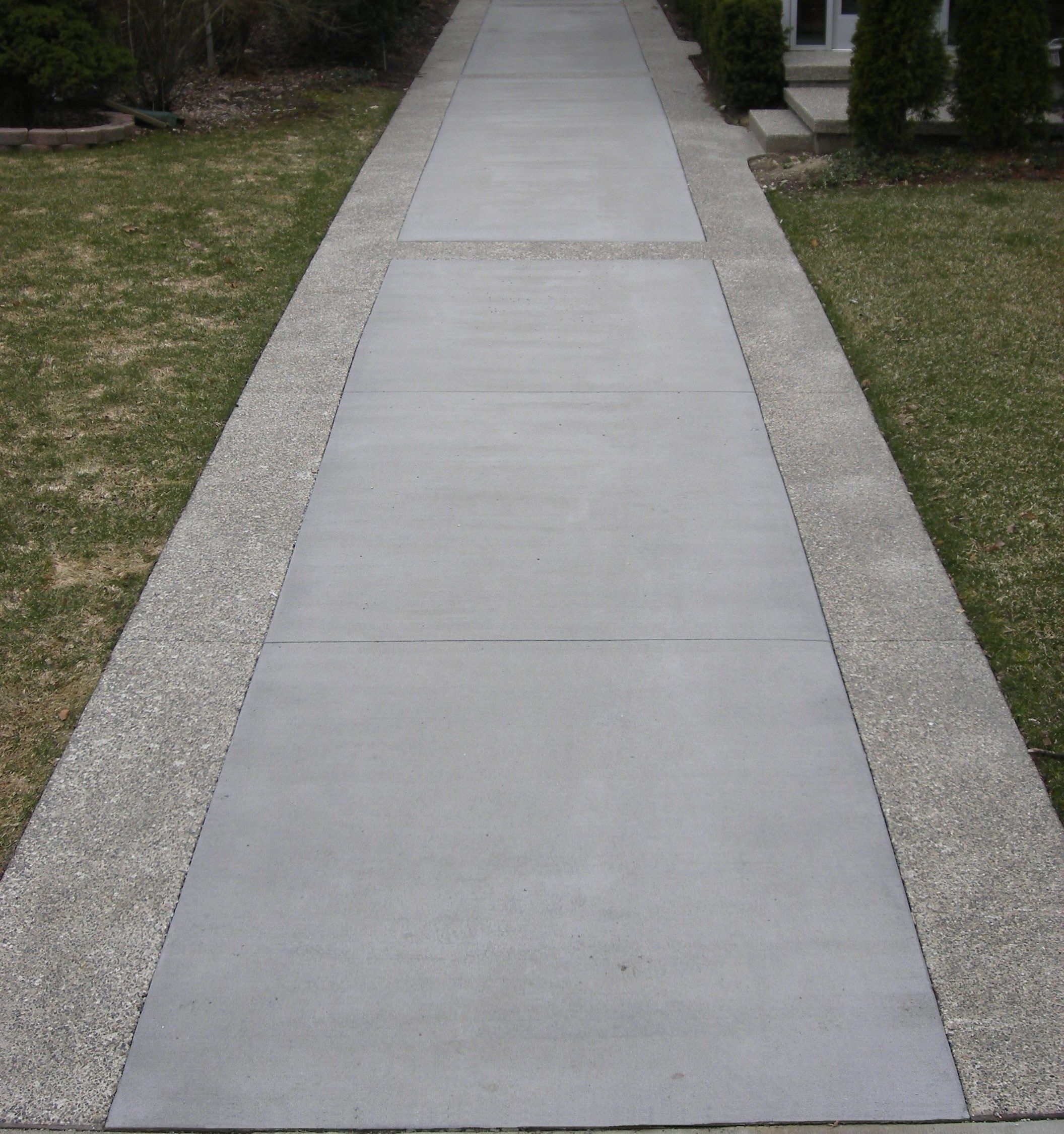 Concrete Outdoor Kitchen Countertops: Standard Broomed Driveway With Exposed Aggregate Border
