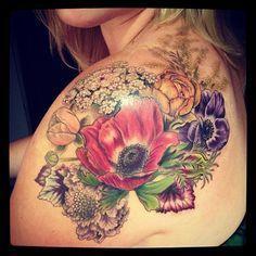 Kolorowe Kwiaty Tatuaż Tattoo Tatuaże Na Kobiecych