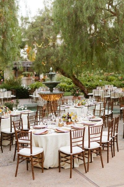 The Most Beautiful Outdoor Wedding Venues That Southern California Has To Offer With Great Outdoor Wedding Venues Willow Tree Wedding Garden Wedding Reception
