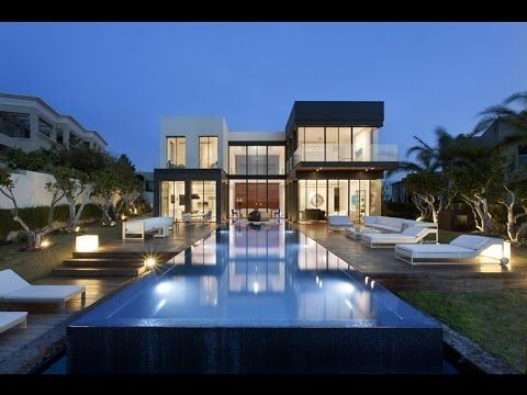 Luxury Modern House With Clean Modern Lines and Floor To Ceiling Windows...